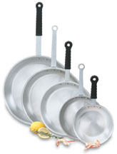 Vollrath 67910 Wear-Ever Fry Pans with Natural Finish and TriVent Silicone Handle